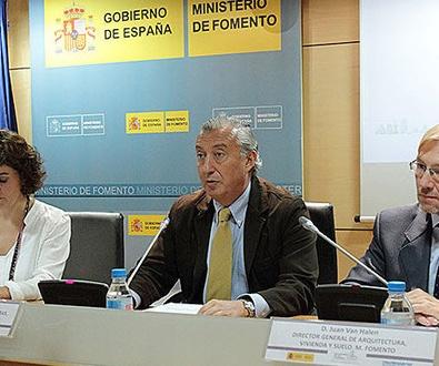 Fomento aboga por políticas sostenibles en el crecimiento de las ciudades