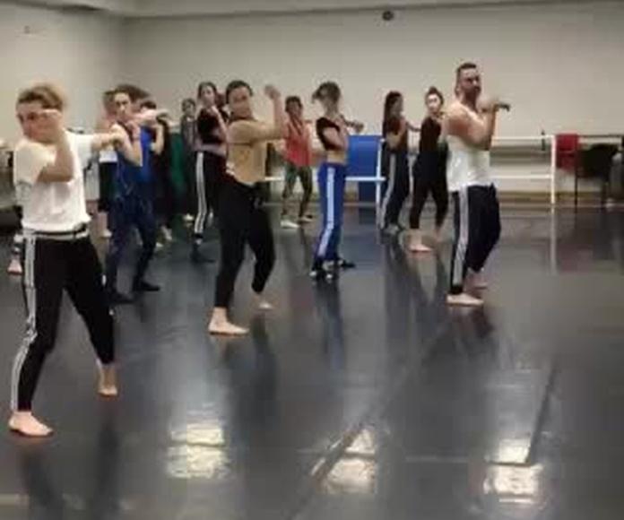 Clase con Iker Carrera profe de Fama ¡a Bailar!
