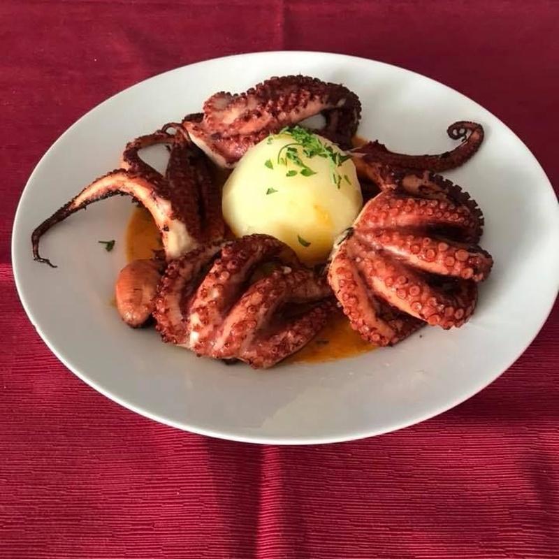 Pescados y mariscos: Especialidades de Restaurante Terraza Sidrería La Diosa del Mar