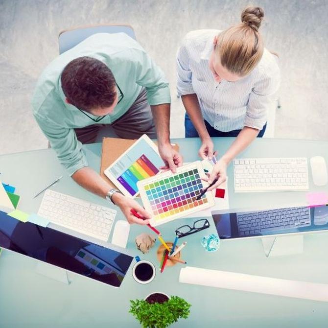 La importancia de personalizar tu oficina con tu imagen corporativa