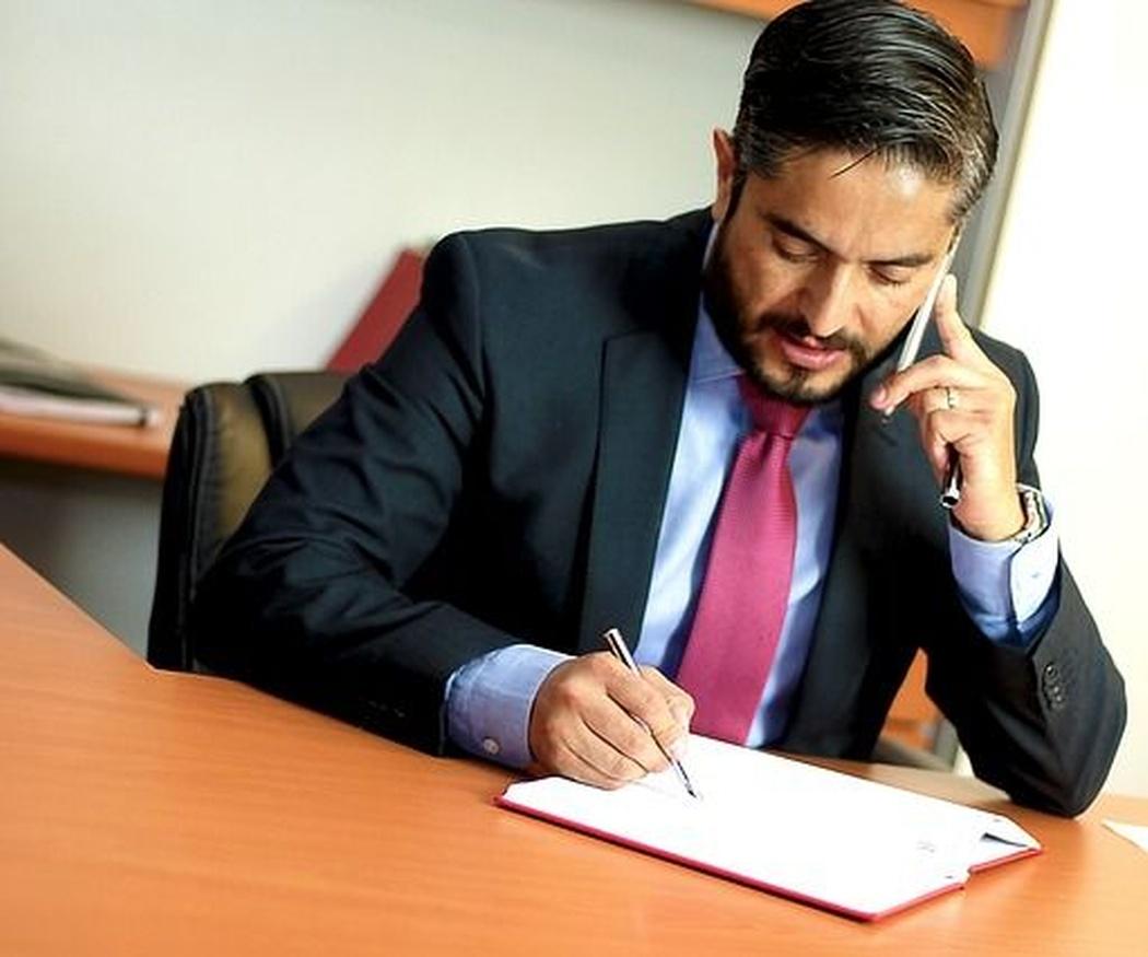 ¿Cuándo contactar con un especialista en derecho?