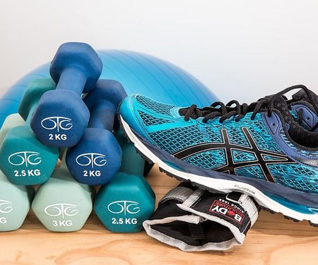 Importancia de combinar una alimentación saludable con ejercicio físico