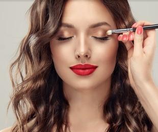 Maquillaje y belleza manos y pies