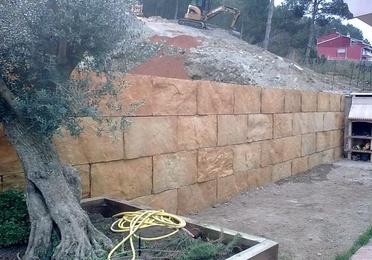 Muros de bloques tipo escollera