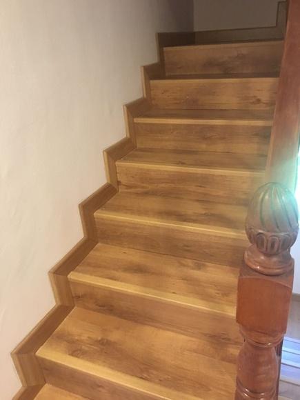 Reforma: acabado perfecto de escalera con tarima