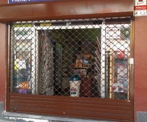 Puertas enrollables galvanizadas en Tenerife