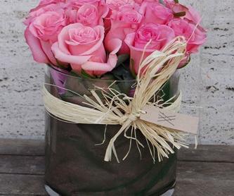 Caja con rosas: Nuestros trabajos de Moonflower