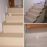 Escaleras en compacto crema y mármol Crema Marfil