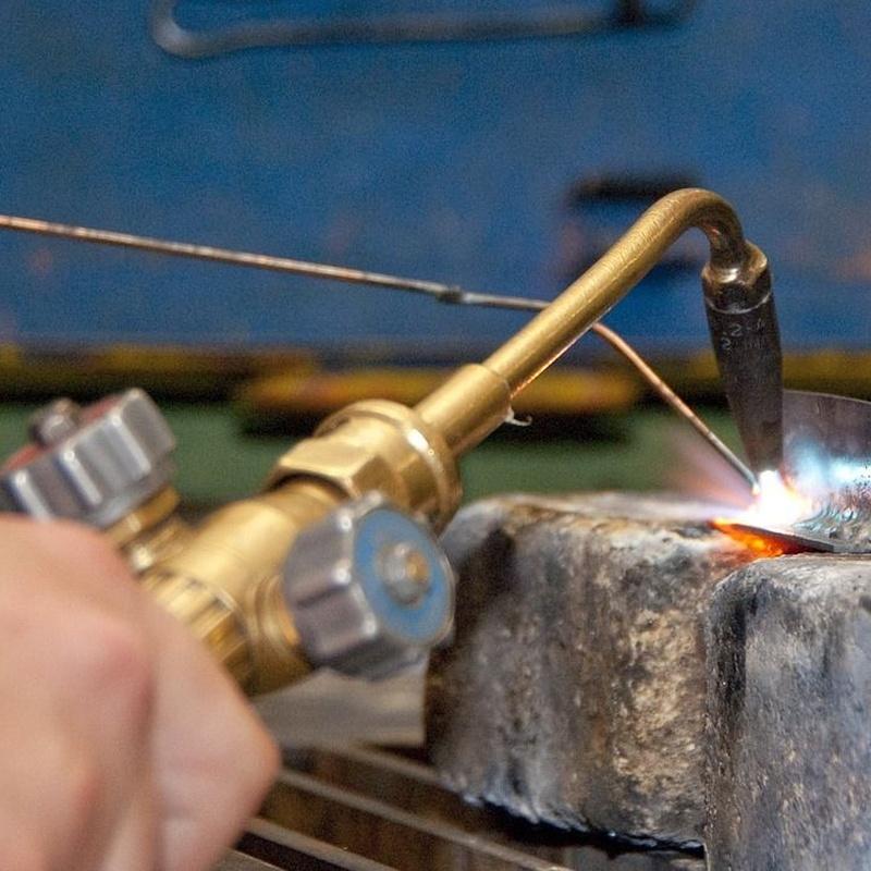 Reparación y alquiler de maquinaria de soldadura y corte: Servicios de Transportes Eguiara y San Juan