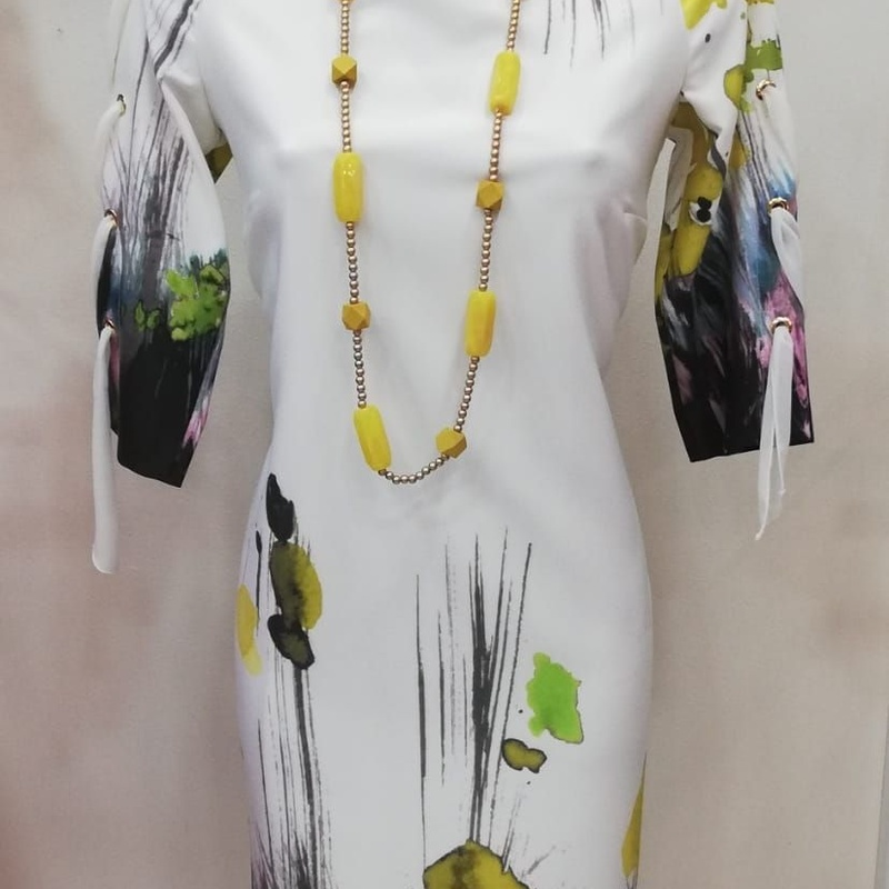 Dresses: Clothing and accessories de Gumer Fuengirola