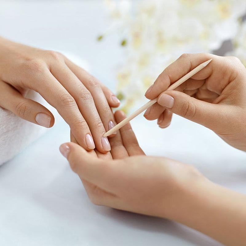 Manicura y pedicura: Servicios y productos de Peluquería Almu