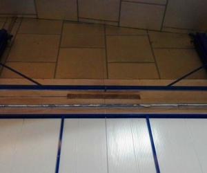 Puerta guillotina industrial panel  sándwich