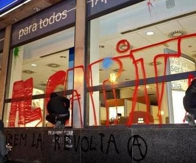 Grafitis y vandalismo cuestan 1.500 euros a la semana al Ayuntamiento de Valencia