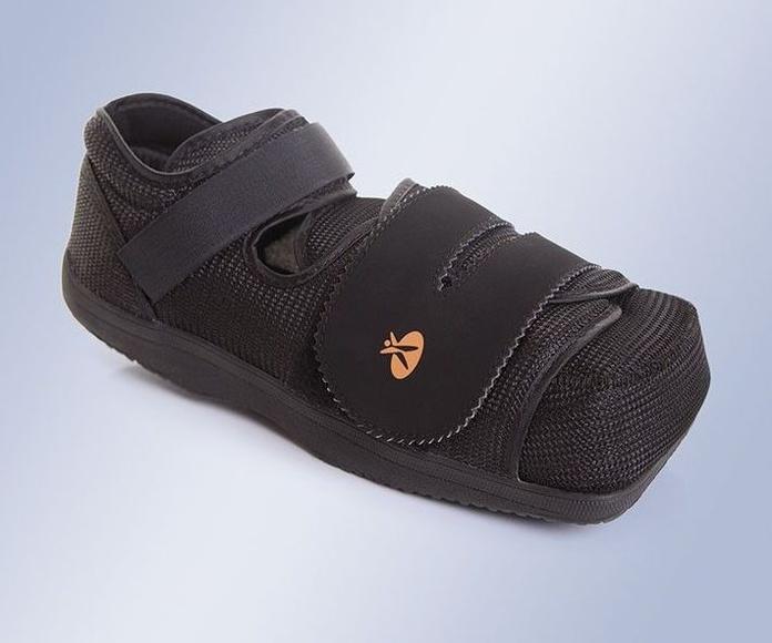 Zapato post-operatorio (especial pie diabético/úlceras): Productos y servicios de Ortopedia Delgado, S. L.