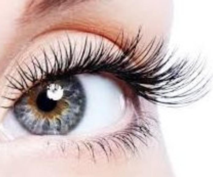Extensiones de pestañas: Tratamientos y Productos  de Chic Beauty Center