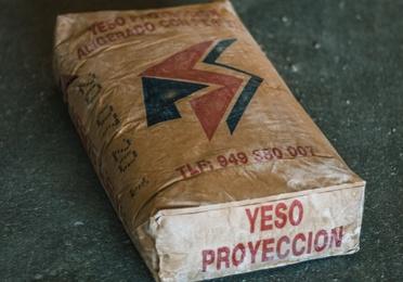 Yeso de proyección aligerado YPM / A