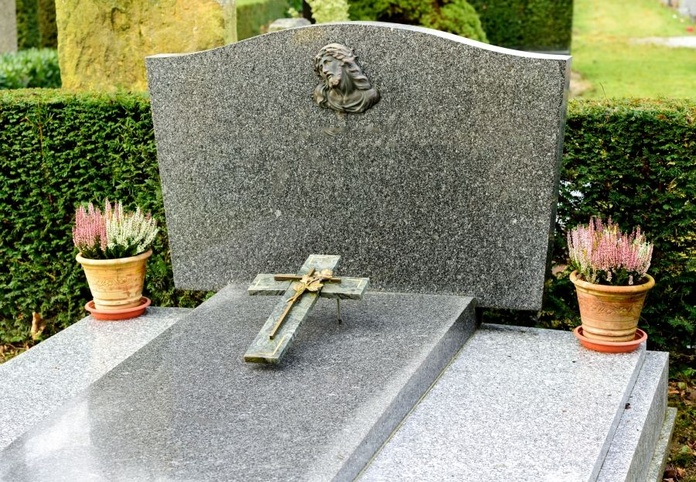 Cruces para lápidas: Servicios de Mármoles Artísticos Casañ, S.L.