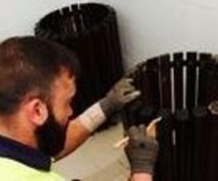 Cuidado y mantenimiento del mobiliario en jardines: Servicios de Grupo Discreal, S. L.