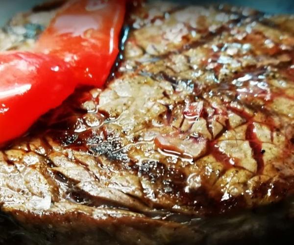 Potenciamos el sabor de la carne en nuestra brasa