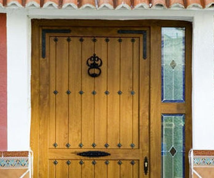 Puertas de Entrada: Servicios de JRG Aluminio- PVC