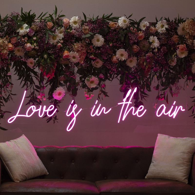 Neón Love is in the air: Decoración de eventos de DeMadera Chic