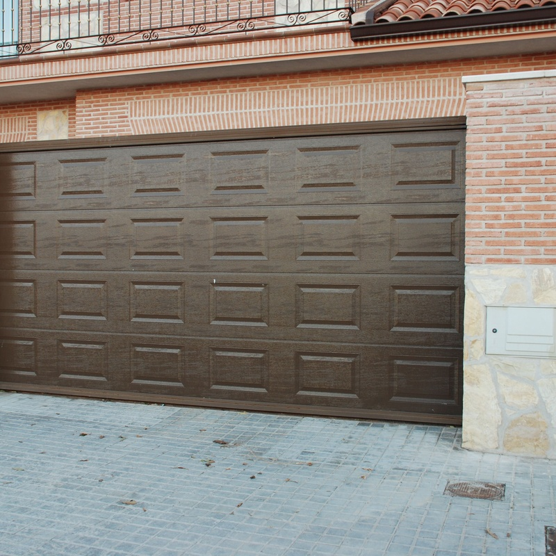 Puertas de garaje: Productos y servicios de Cerrajería Titulcia
