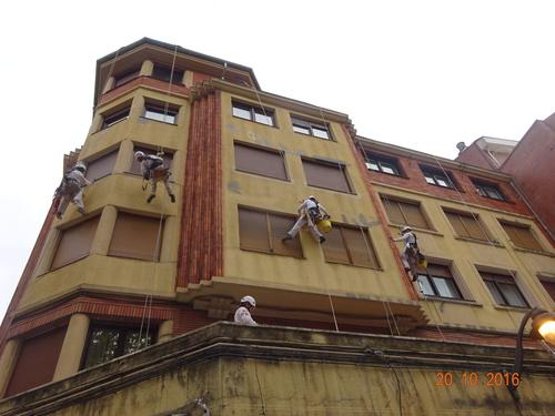Reparación parcial de fachadas