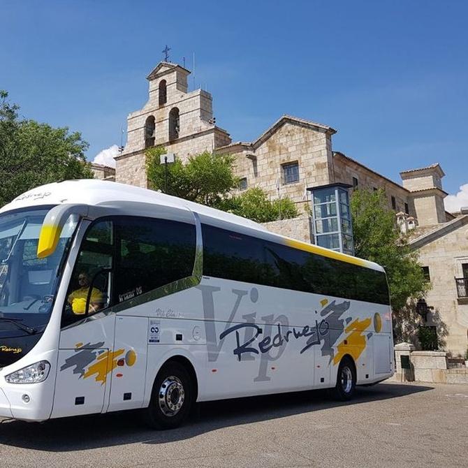 Características y ventajas del servicio de autobuses para bodas