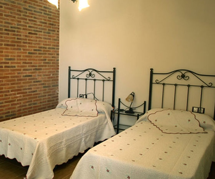 Nuestras habitaciones: Servicios de El Corralón de Perahuy