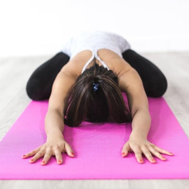 Estiramientos de cadenas musculares: Servicios de Herbolario Hierbabuena