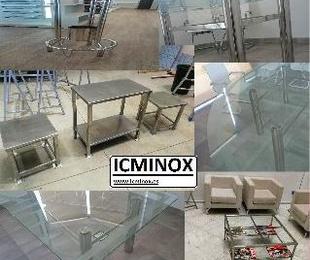 Mesas de acero inoxidable de todos los tamaños, diseños y funcionalidades.