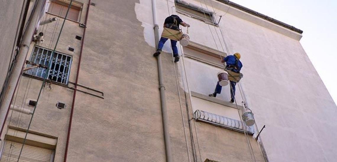 Trabajos verticales para impermeabilización de fachadas y cubiertas en Madrid centro