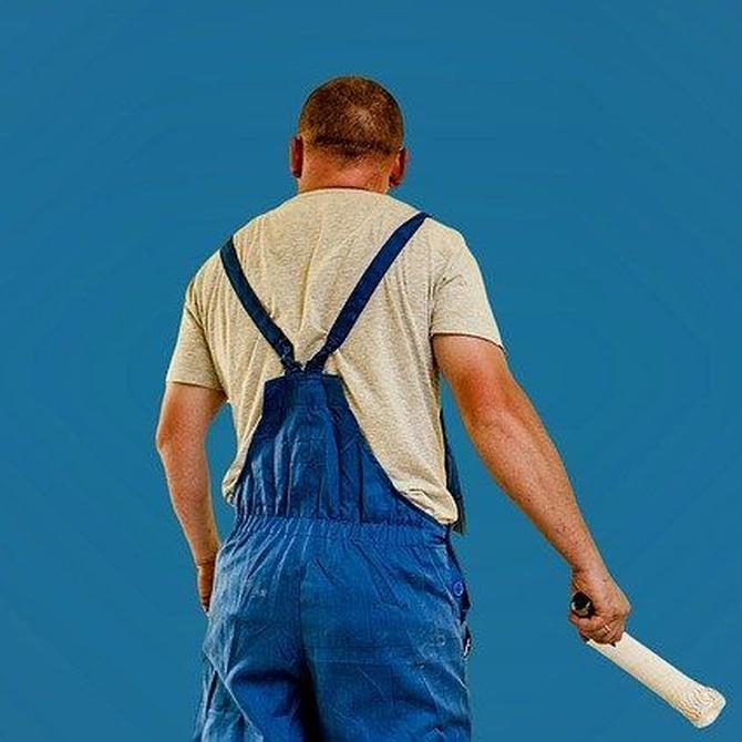 ¿Qué medidas de seguridad y prevención de riesgos laborales han de tomar los pintores profesionales?