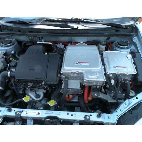 Servicio de baterías: Servicios  de Taller Mecánico Moreno Motor