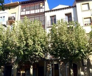 Rehabilitación de dos edificios en la c/Breton de Logroño