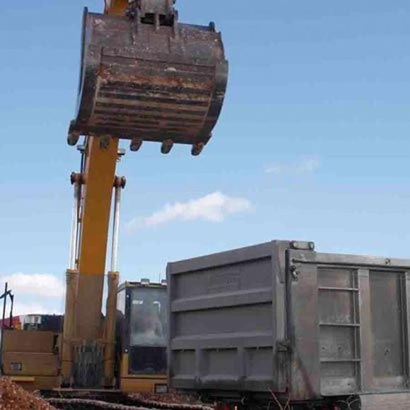 Las constructoras creen que si no aumenta la inversión en obra pública el sector seguirá dos años má