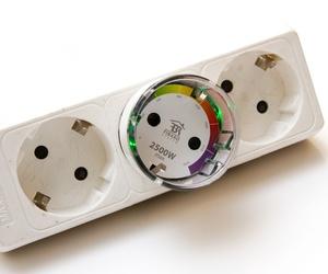 Interruptor inteligente con medición de potencia para dispositivos eléctricos