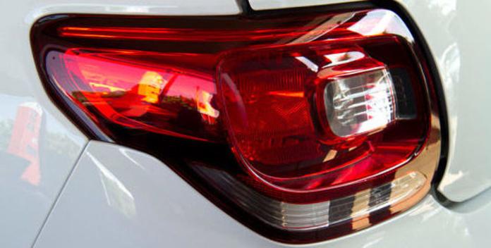Iluminación y lámparas: Servicios  de Ocaña Auto, S. L.