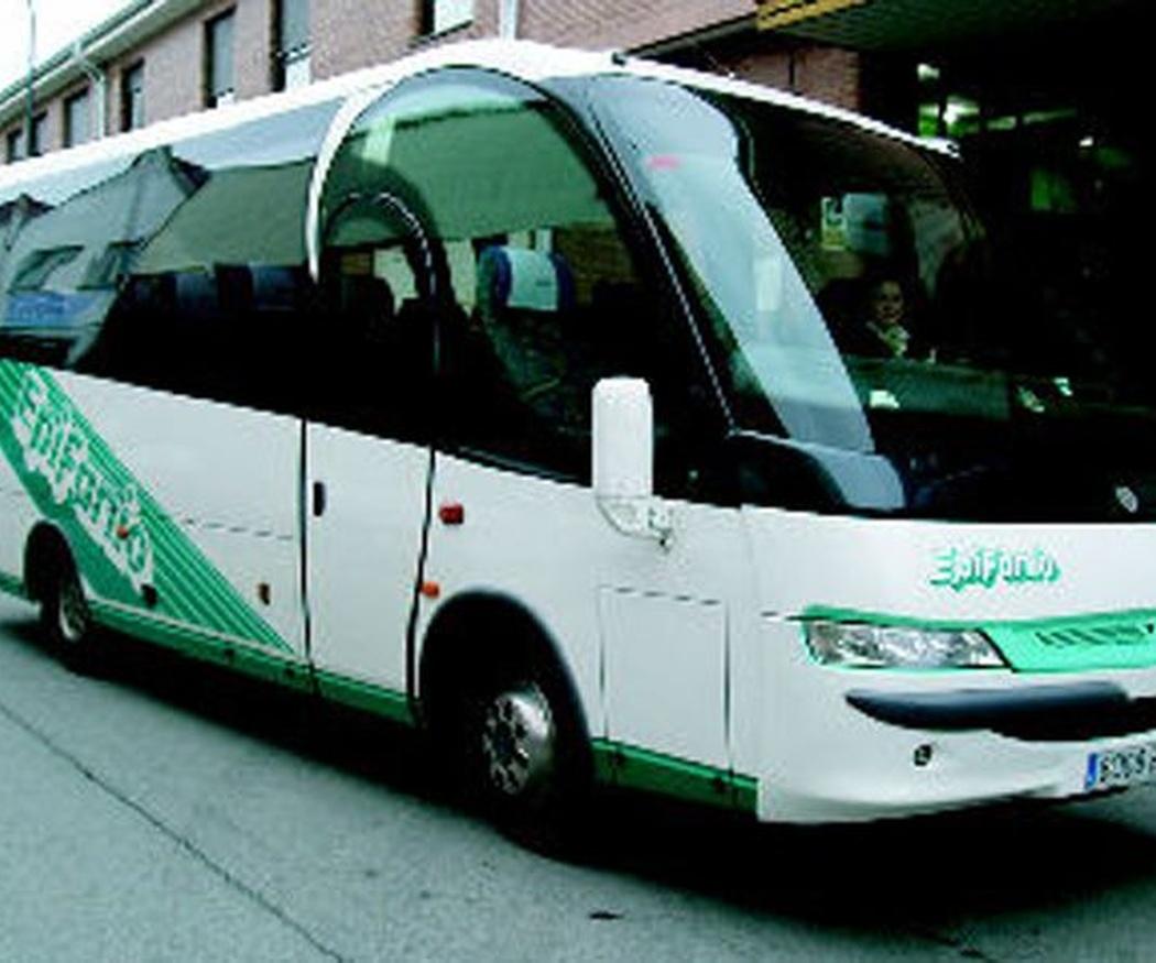 5 beneficios de alquilar un autobus