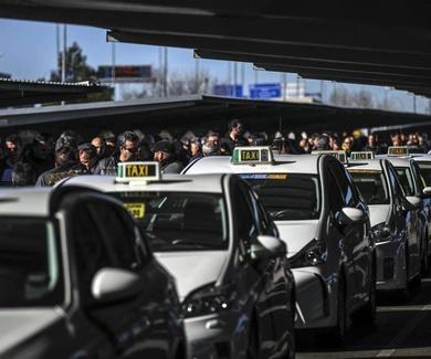Los taxistas podrán hacer recorridos a precio cerrado