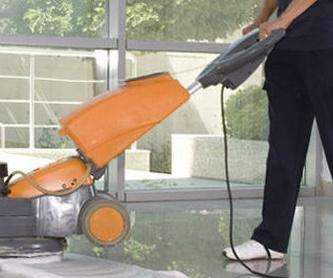 Pulido y abrillantado de suelos para oficinas: Servicios de Servipulidos