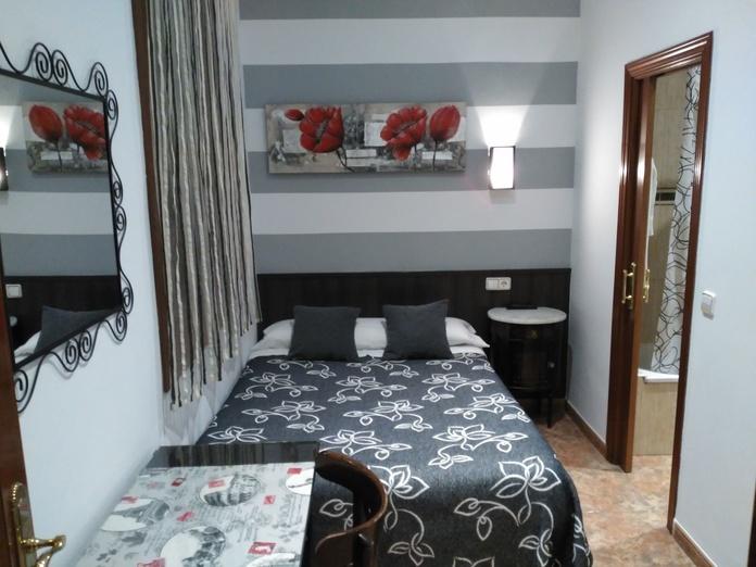 Habitación Individual: Habitaciones y Servicios de Hostal Bruña