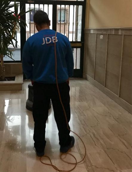 Abrillantado de suelos: Servicios de Limpiezas JDB