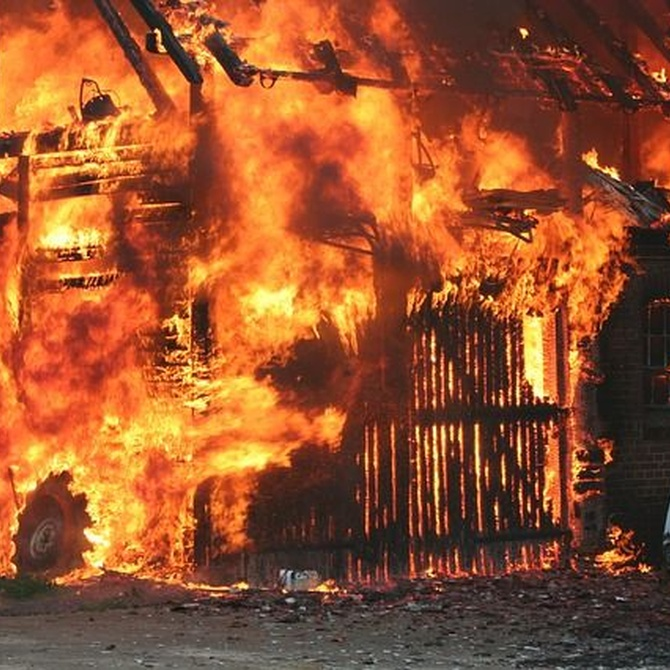 ¿Cómo debemos actuar en caso de incendio?