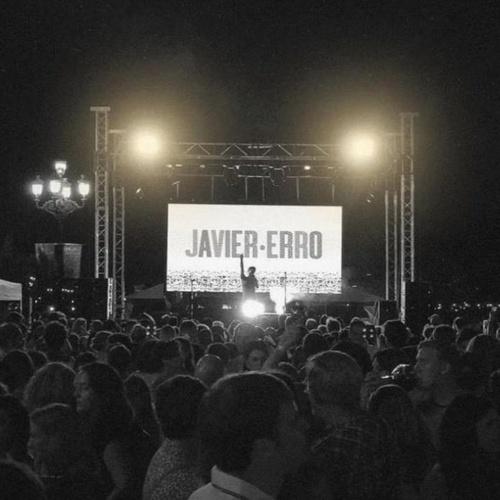 Pantallas Movidic de concierto con Javier Erro