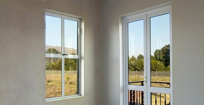Ventanas y puertas de aluminio: Servicios de Corin Metal