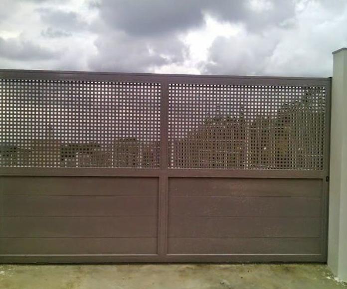 A267 Puerta Corredera Residencial pintada al horno