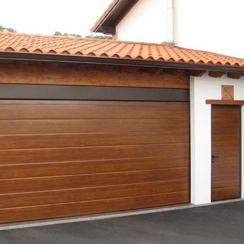 Puertas de garaje: Catálogo de Carpintería de Anento