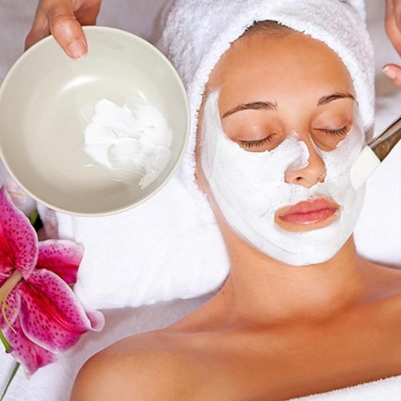 Facial cleansing, peeling, anti-aging: Services de Kiko's Peluquería y Estética