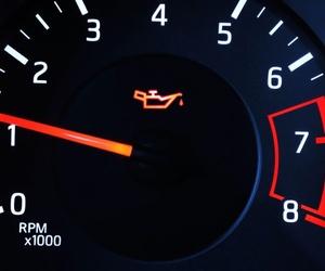 El cambio de aceite, una de las acciones más importantes para tu coche